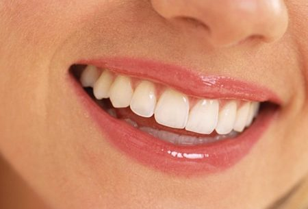 Aprenda como clarear os seus dentes