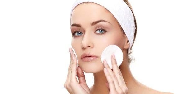 Como fazer um tratamento facial em casa