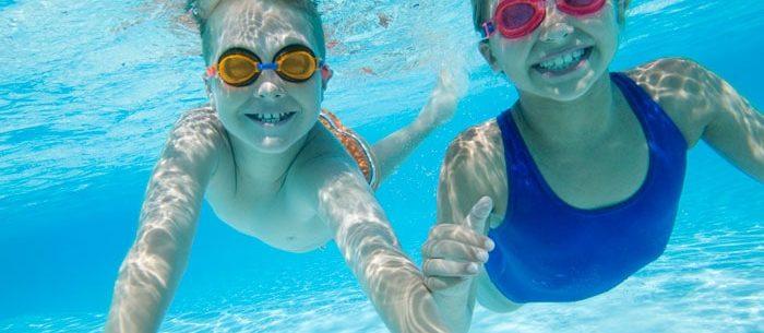 Cuidados para prevenir infecções em piscinas