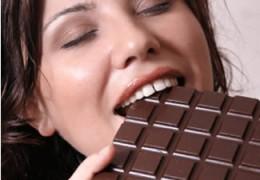 Chocolate ajuda a reduzir o risco de problemas cardíacos