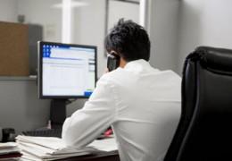Passar mais de 6 horas sentados pode levar a graves problemas de saúde