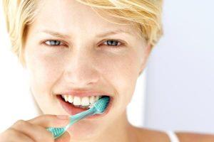 Como fazer um creme dental caseiro