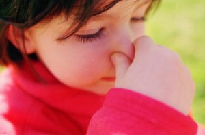 Como tratar rinite alérgica