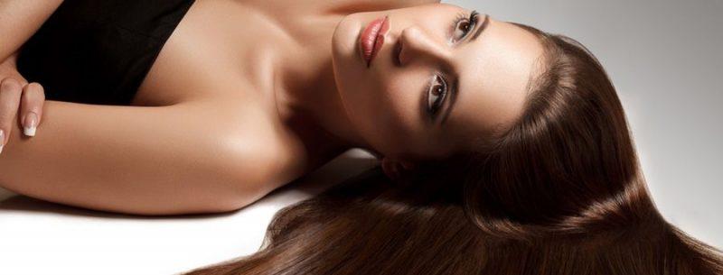 Truques naturais para um cabelo liso