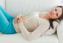 Dor ao urinar: causas e sintomas
