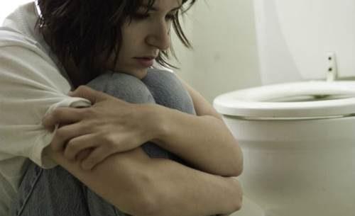 Saiba os riscos da bulimia