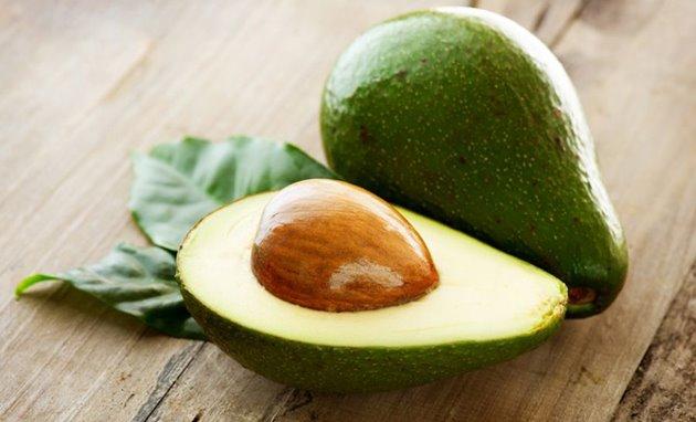 Os surpreendentes benefícios do abacate para a saúde