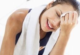 Realmente suar ajuda a emagrecer?