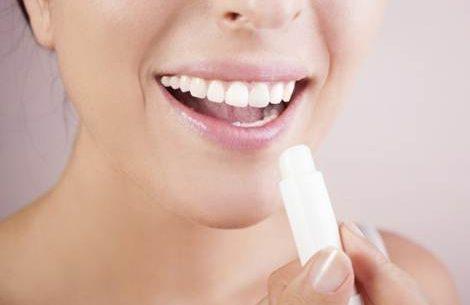 Como hidratar os lábios de forma caseira