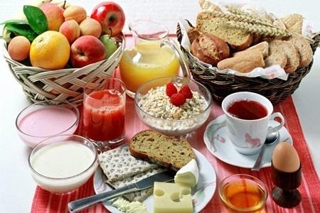 Tomar café da manhã ajuda a emagrecer?