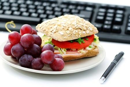Dicas para cuidar da dieta no trabalho