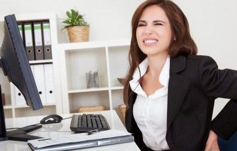 Erros comuns na postura ao sentar-se