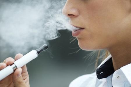 O cigarro eletrônico é uma boa alternativa para quem deseja parar de fumar?