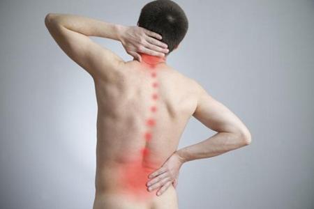 Como reconhecer uma dor nas costas de origem inflamatória?