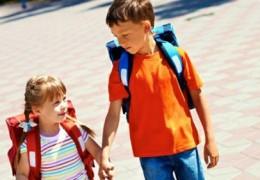 Crianças: Cuidados com a mochila