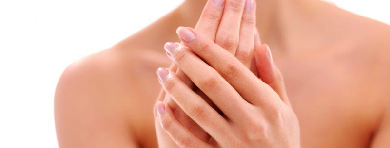 Como regular a transpiração excessiva em suas mãos?
