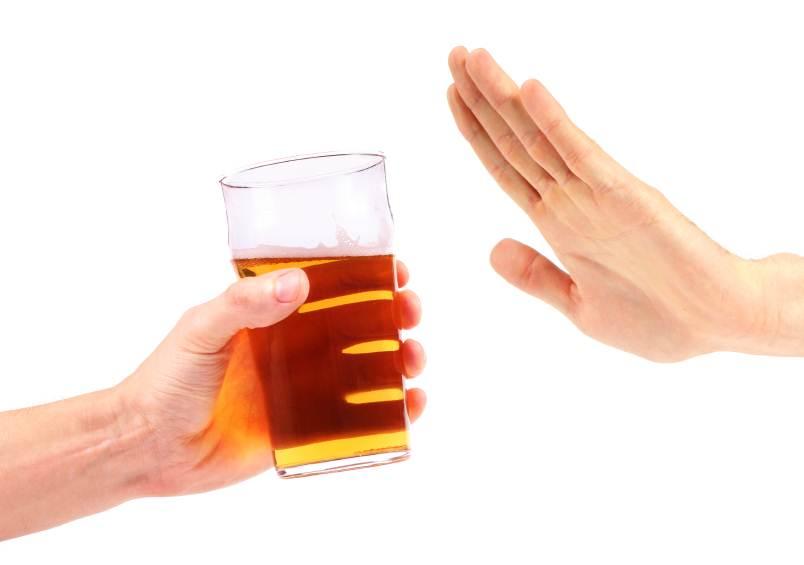 Il marito spesso beve e lascia la casa che fare