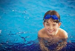 Crianças e piscinas: Dicas essenciais para evitar acidentes