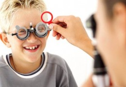 Como detectar problemas visuais em crianças