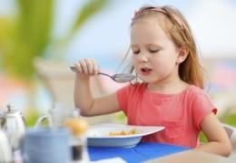 Crianças que tomam café da manhã têm baixo risco de desenvolver diabetes