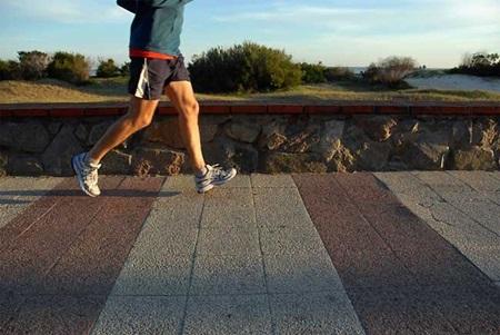 Dicas para diminuir a dor nas pernas antes de correr