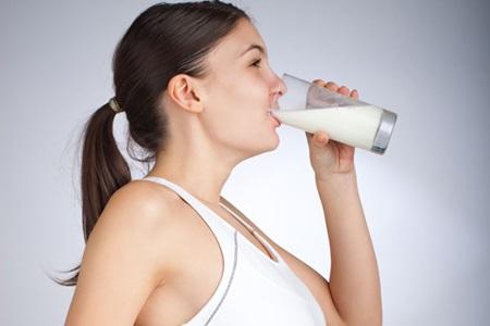 O que a ciência diz sobre o consumo de leite e a produção de muco