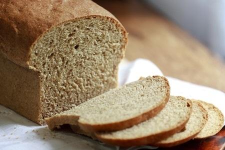 Uma dieta equilibrada deve incluir o pão
