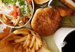 ONU afirma: comer mal pode ser tão prejudicial quanto fumar