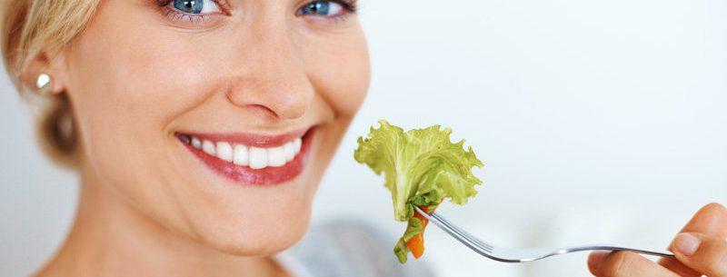 Os melhores alimentos para limpar e desintoxicar o corpo