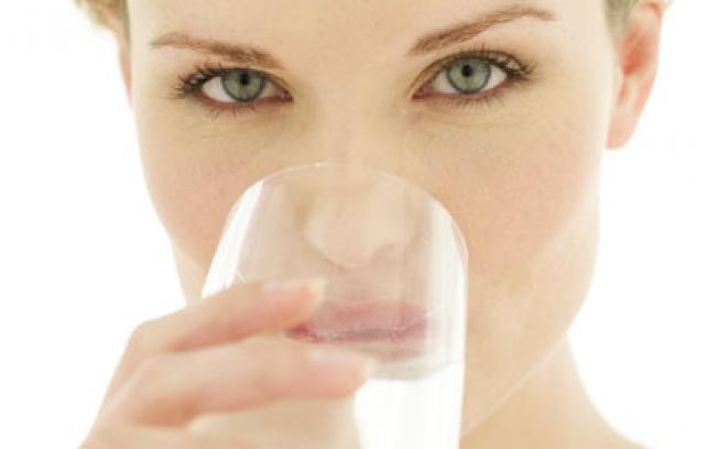 Como beber água de forma mais satisfatória