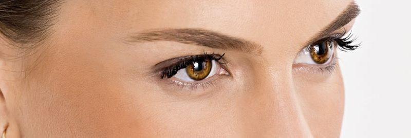 Tônico de camomila para eliminar as olheiras