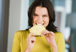 Abacaxi: rico em vitaminas, emagrece e elimina toxinas