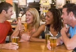 5 alimentos recomendados para antes de beber álcool