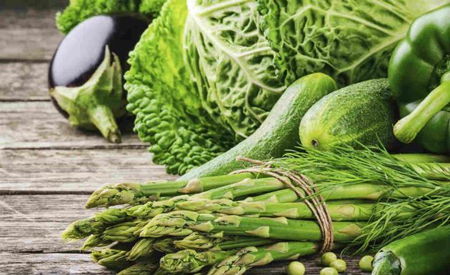 5 alimentos verdes com incríveis benefícios para a saúde