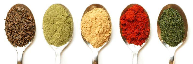 As melhores especiarias e ervas com benefícios para a saúde