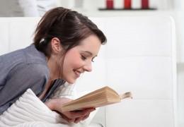 Por que ler é saudável? Conheça os benefícios dessa prática