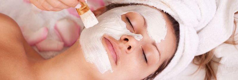As melhores máscaras caseiras para cuidar da pele