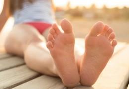 Dicas naturais para combater o mau cheiro nos pés