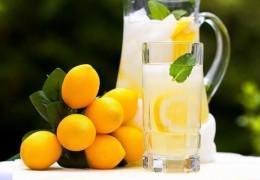 Propriedades e benefícios do suco de limão para a saúde