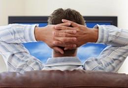 Assistir TV aumenta em 3,4% o risco de diabetes, diz estudo