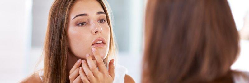 Maus hábitos que prejudicam a saúde da pele