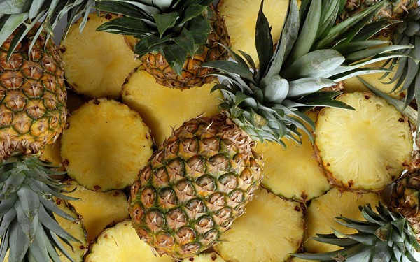 Suco de limão e abacaxi para equilibrar o pH do corpo-2