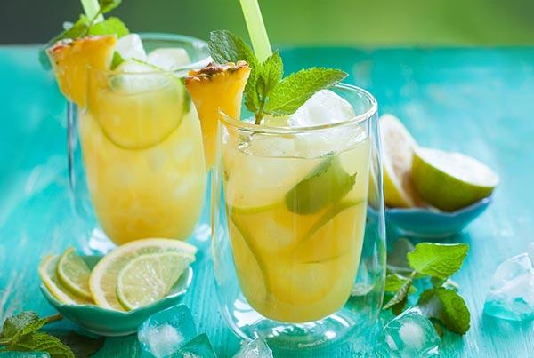 Suco de limão e abacaxi para equilibrar o pH do corpo-3