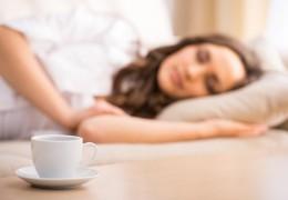 10 chás para espantar a insônia e dormir bem