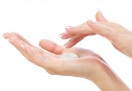Remédios caseiros para mãos ressecadas