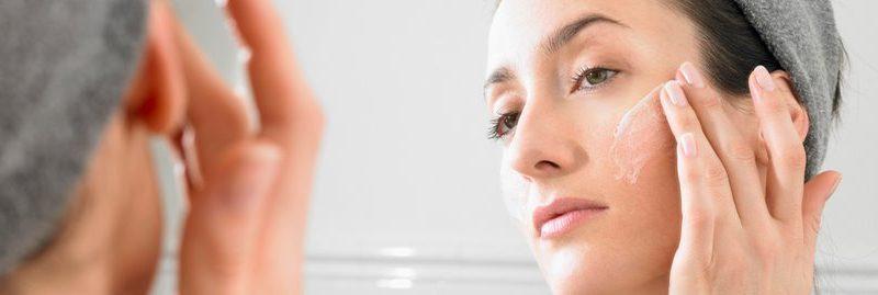 8 receitas caseiras de máscara para espinhas