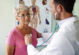 10 sintomas de problemas de saúde que os idosos não devem ignorar