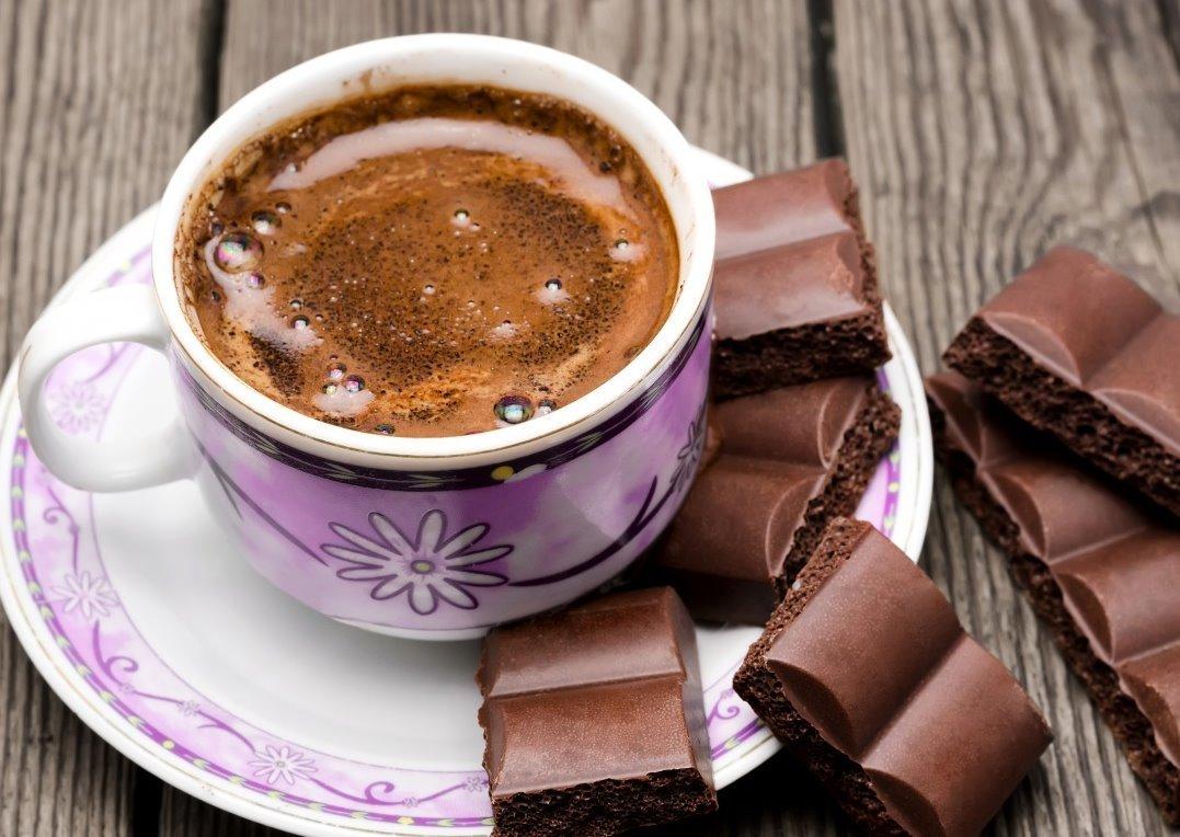 Resultado de imagem para cafe e chocolate turbinam o cerebro