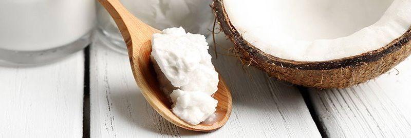 5 maneiras de usar o óleo de coco para cuidar do cabelo