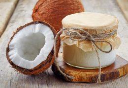 Óleo de coco é capaz de matar 93% das células do câncer de cólon, diz estudo